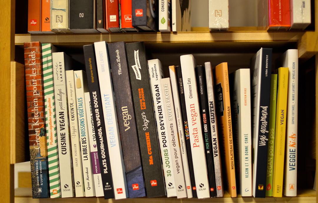 Rayon livres vegan Librarie Les Bien-Aimés