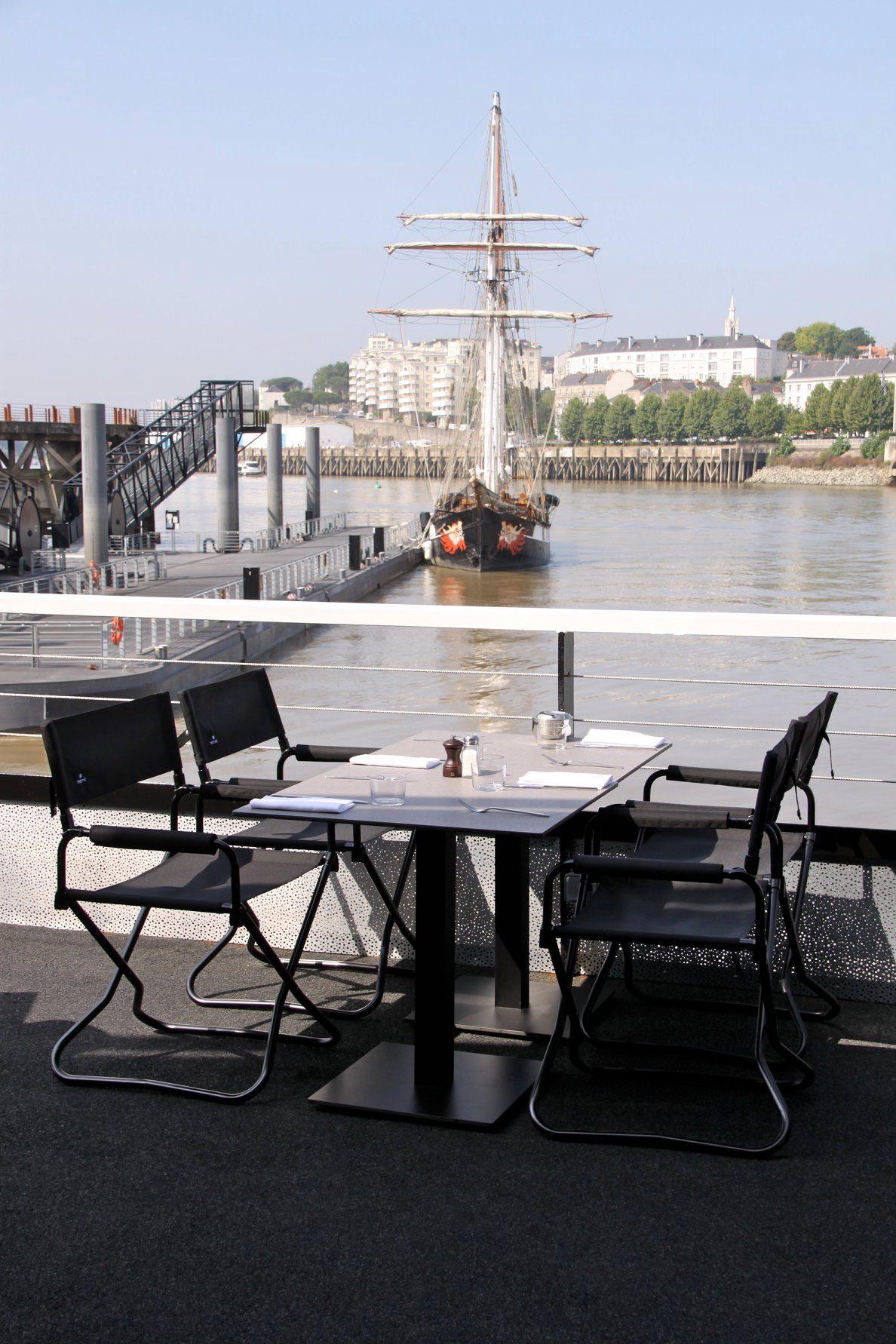 Vue sur la Loire depuis le restaurant O Deck
